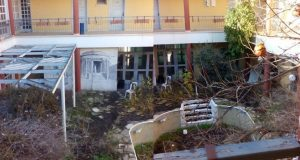 Lefkara calls on president to help with derelict hotel