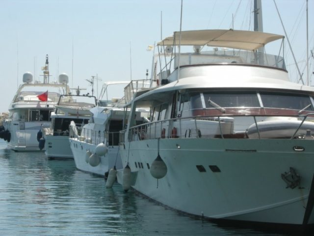 Five consortiums submit proposals for Larnaca marina