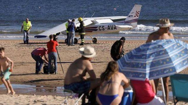 Two killed as plane lands on Portuguese beach
