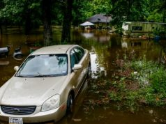 US extreme weather leaves at least four dead