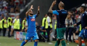 Napoli cruise into Champions League group stage