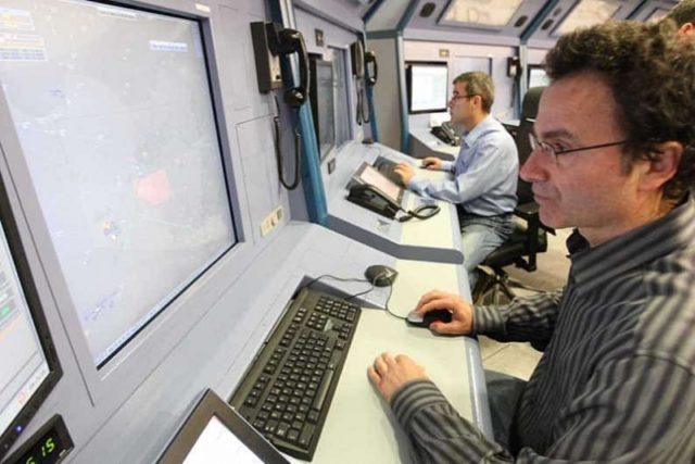 Flight traffic controllers say they can no longer ensure safety