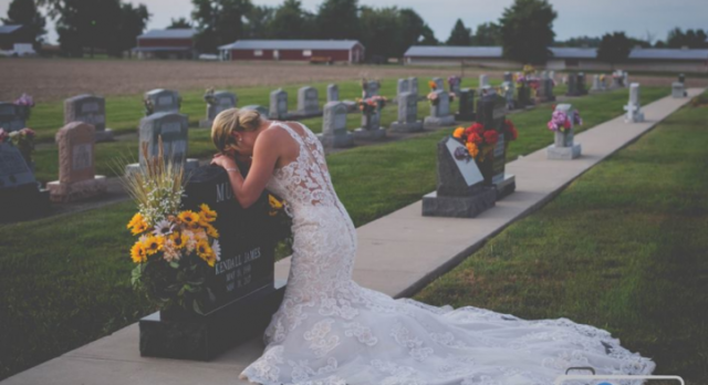 Bride of fallen firefighter takes wedding photos alone to honor late husband (photos)