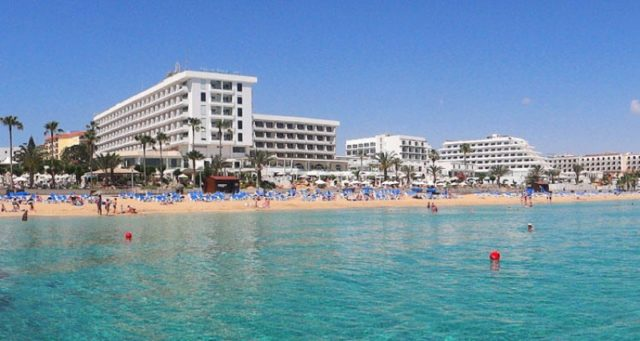 Uncontrolled expansion on Cyprus beaches violates Barcelona convention, Green Party says
