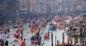 Venice to charge admission fees for tourists (V)