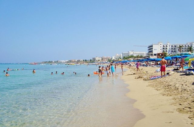 Thomas Cook: Cyprus amongst the top 5 destinations for British tourists this summer! (pics)