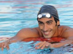 Olympic swimming star saves drowning tourist!