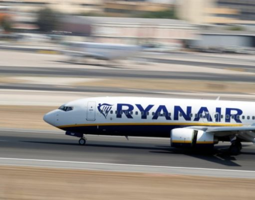 Court bans Ryanair's hand luggage fee in Spain