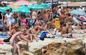 UK looking to lift restrictions for travellers from Cyprus