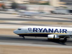 Ryanair to fight Irish travel restrictions in court