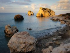 Government green lights live events at Petra tou Romiou