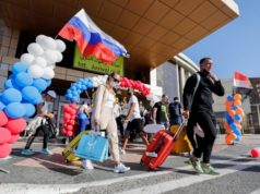 Russian flights return to Egypt's resorts six years after crash