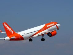 EasyJet rejects Wizz bid and raises $1.7 bln to go it alone